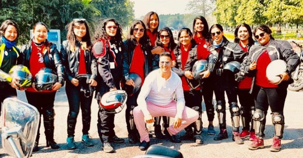 Women's Day 2019 Akshay Kumar goes pink as an ode to woman empowerment