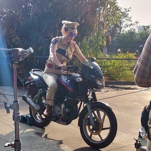 Kangana Ranaut sporting the badass cop look on the sets of Mental Hai Kya leaves everyone stumped! [See photos]