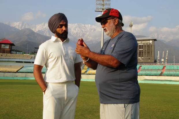 '83: Reel Balwinder Singh Sandhu aka Punjabi star Ammy Virk getting trained by the real one!