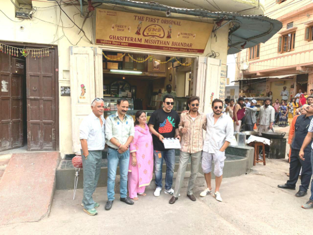BREAKING! Irrfan Khan back in action, begins Dinesh Vijan's Angrezi Medium in Udaipur