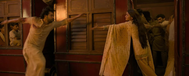 KALANK: Alia Bhatt and Varun Dhawan starrer inspires funny memes after trailer launch