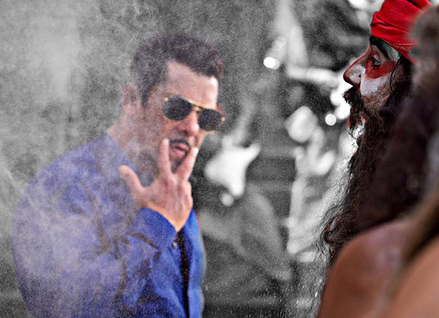 Salman Khan completes shooting the iconic HUD HUD DABANGG number for Dabangg 3 and our Friday just got better!