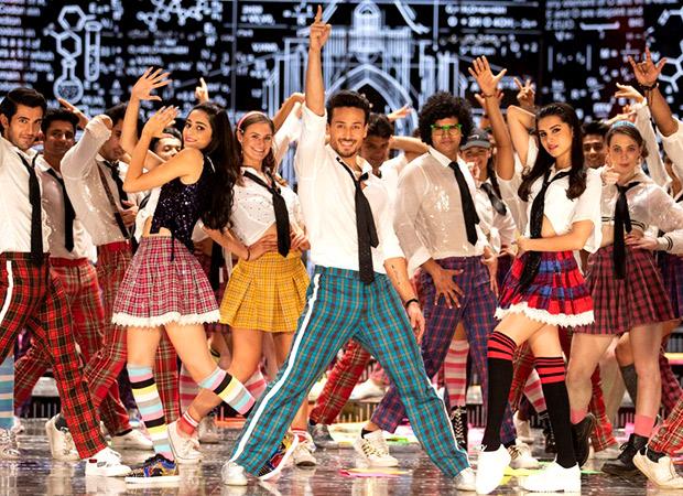 Student Of The Year 2 Tiger Shroff, Ananya Panday & Tara Sutaria groove to Yeh Jawani Hai Deewani (inside deets out)