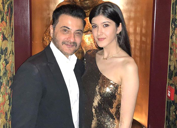 shanaya-kapoor-with-father-sanjay-kapoor