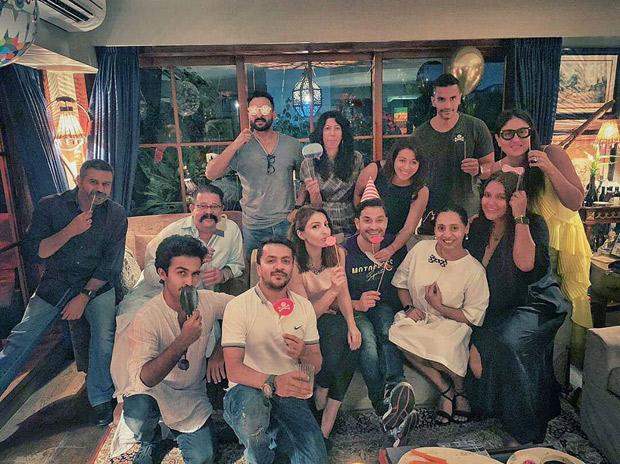 Kareena Kapoor Khan, Saif Ali Khan And Others Have A Gala Time Celebrating Kunal Kemmu's Birthday [see Pics And Video]