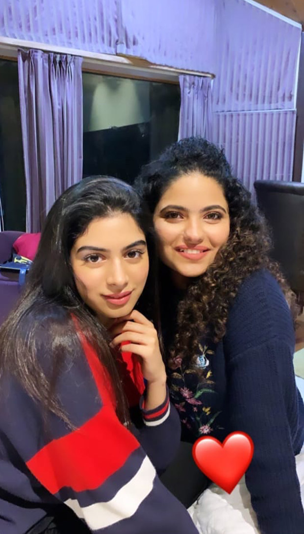 WATCH VIDEO: Janhvi Kapoor turns makeup artist for her sister Khushi Kapoor and the result is beautiful