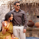 Dabangg 3: Salman Khan and Sonakshi Sinha get mobbed by fans on the sets in Phaltan