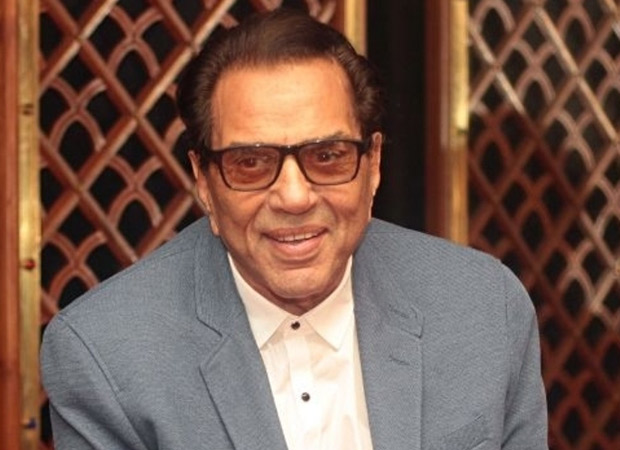 Dharmendra Apologizes After Trolling His Wife Hema Malini On Her Sweeping Video!