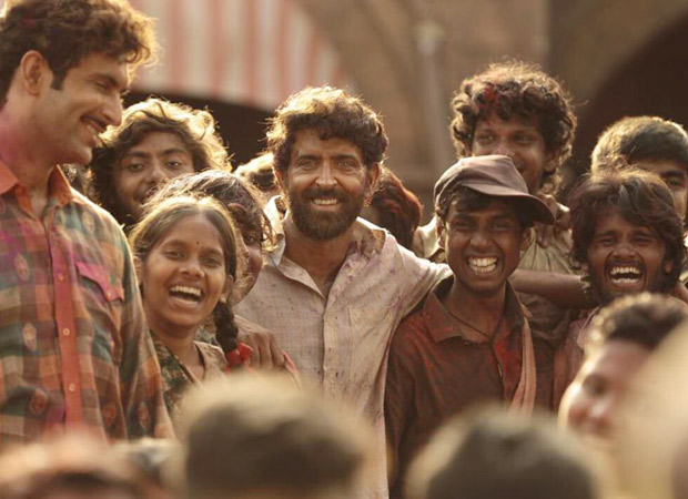 Hrithik Roshan shares a beautiful behind the scenes video of the Super 30 kids!