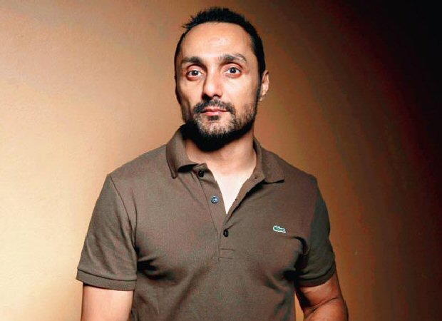 Rahul Bose orders two bananas in a hotel, gets charged Rs 442.50 for it