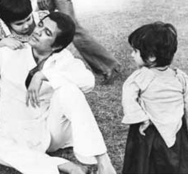 Twinkle Khanna Remembers Her Father Rajesh Khanna On His Death Anniversary With A Throwback Photo