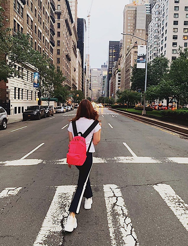 Check Out: Alia Bhatt Taking A Stroll On The Streets Of New York And Exploring The City!