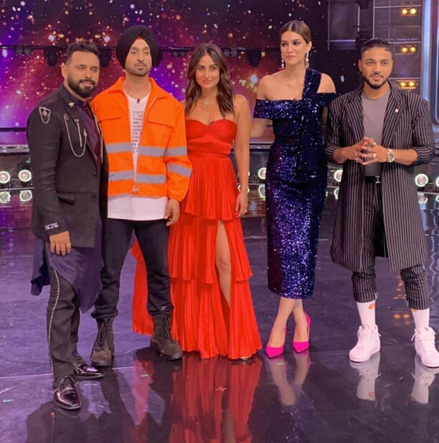 Here's How Diljit Dosanjh Made Kareena Kapoor Khan Blush On The Sets Of Dance India Dance 7