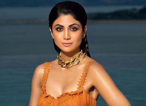 Woah! Shilpa Shetty confesses that she doesn't know swimming but her video is PROOF that she is enjoying her first experience of a swim!