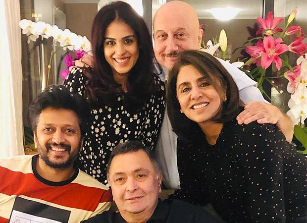 Countdown begins! Rishi Kapoor and Neetu Kapoor pose happily with Riteish and Genelia Deshmukh and Anupam Kher