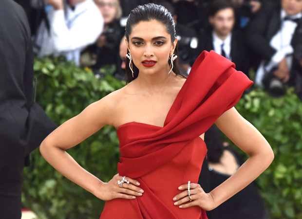 """""""i Want This Dress,"""" Comments Deepika Padukone On Victoria Beckham's Post"""