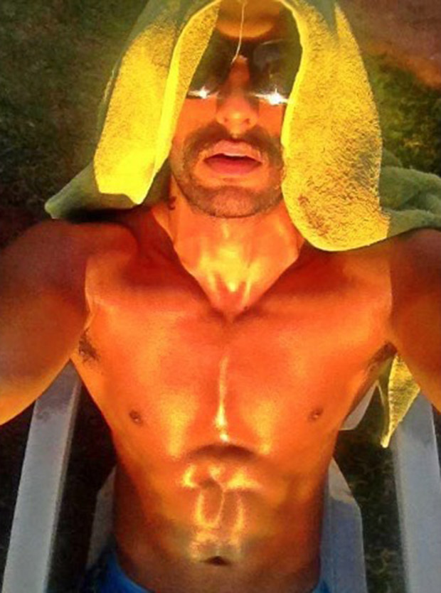 Hotness Alert! Ranveer Singh Takes The Internet By Storm As He Soaks In The Sun