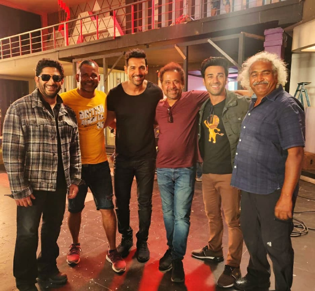 It's a schedule wrap for John Abraham, Arshad Warsi, Pulkit Samrat on Anees Bazmee's Pagalpanti