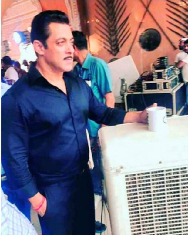 LEAKED PHOTOS & VIDEOS: Dabangg 3 stars Salman Khan and Sonakshi Sinha shoot in Rajasthan despite heavy rains