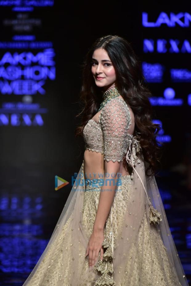 Lakme Fashion Week Winter Festive 2019 Ananya Panday Makes Stunning Ramp Debut For Arpita Mehta And Anushree Reddy Bollywood News Bollywood Hungama