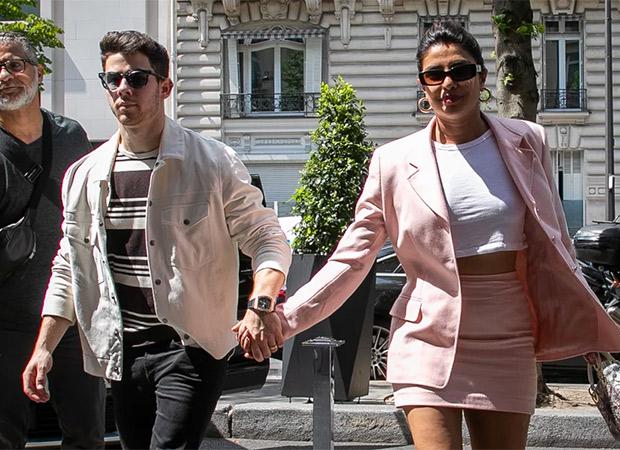 Nick Jonas gestures to Priyanka during his concert; video goes viral