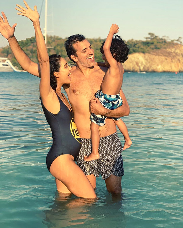 PARTY OF FOUR Lisa Haydon announces her second pregnancy with an adorable photo with husband and son