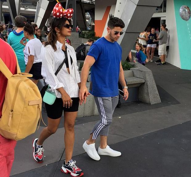 PHOTOS: Priyanka Chopra and Nick Jonas have a date at Disneyland in Orlando