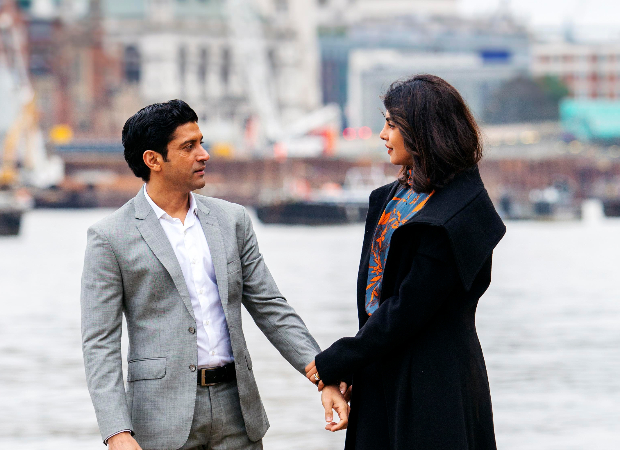 These new stills from Priyanka Chopra Jonas and Farhan Akhtar starrer The Sky Is Pink look amazing!