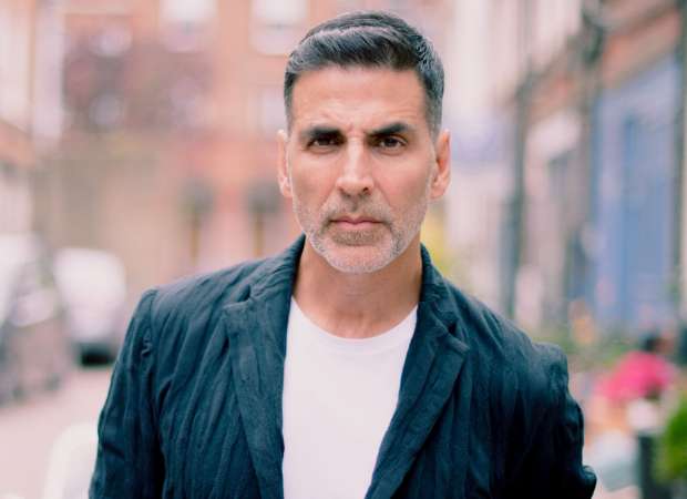 After Amitabh Bachchan, Akshay Kumar Lauds The Metro; Shares Video Taking A Metro Ride