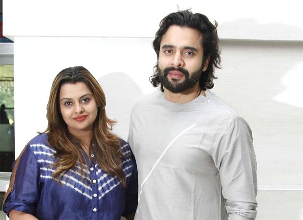 Jackky Bhagnani and sister Honey make sets of Varun Dhawan starrer Coolie No 1 plastic free