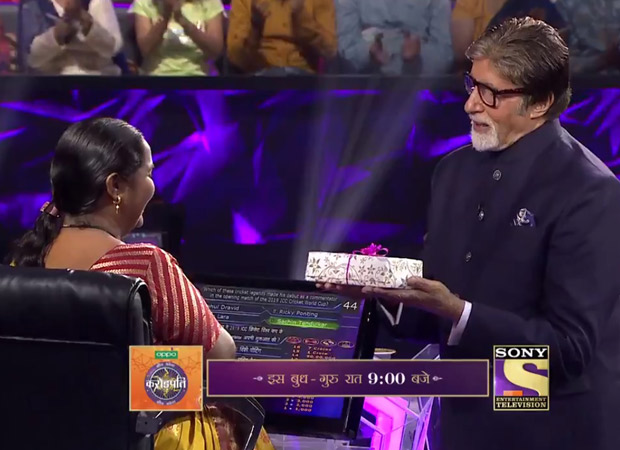 Kbc 11: Host Amitabh Bachchan Gifts Contestant A New Phone