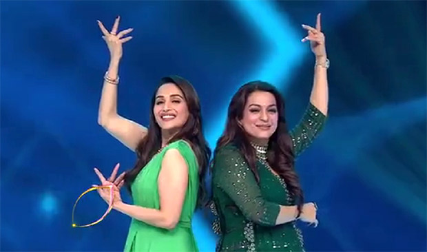 Video: Elegant Divas Madhuri Dixit And Juhi Chawla Groove On Each Other's Iconic Songs