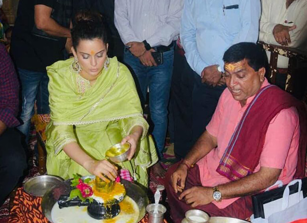 Kangana Ranaut Looks Angelic As She Offers Prayers At The Somnath Temple