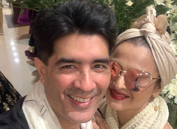 Rekha Drops Major Fashion Goals As She Poses With Manish Malhotra