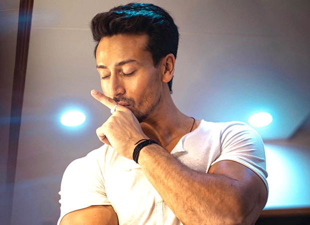 Watch: Tiger Shroff unchains the singer in him as he promotes War on The Kapil Sharma Show