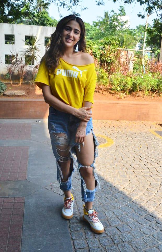 Photos: Sara Ali Khan's Torn Jeans Look Is Super Trendy