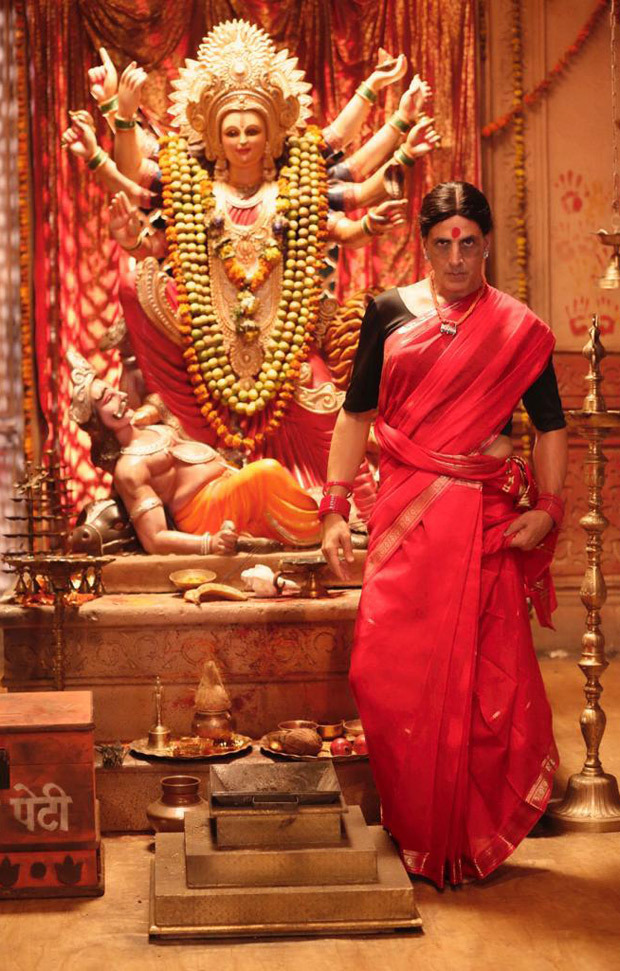 LAXMMI BOMB: Akshay Kumar unveils his saree-clad look on the occasion of Navratri