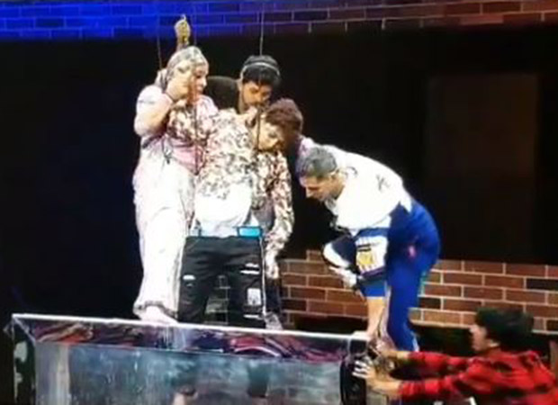 Video: Akshay Kumar Rushes To The Rescue Of An Actor After He Faints On The Sets Of Movie Masti With Maniesh Paul