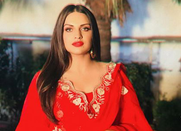 Bigg Boss 13: Himanshi Khurana states that she will NOT be the wild card contestant; slams meme pages for highlighting her fight with Shehnaaz Gill