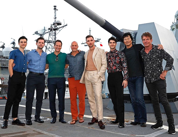 Roland Emmerich, Patrick Wilson and the entire cast of Midway visits the USS Halsey in Hawaii!