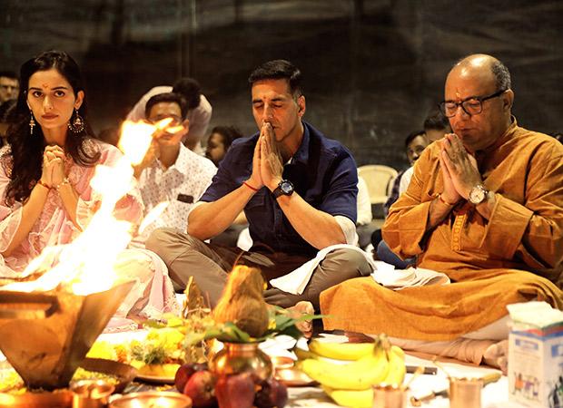 Video: Akshay Kumar And Manushi Chhillar Begin Prithviraj On An Auspicious Note!