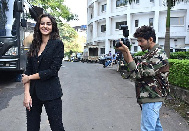 PICTURES Kartik Aaryan turns photographer for Ananya Panday during Pati Patni Aur Woh promotions