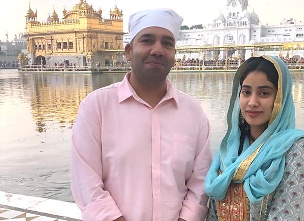 Before Dostana 2 Begins, Janhvi Kapoor Seeks Blessings At Golden Temple In Punjab
