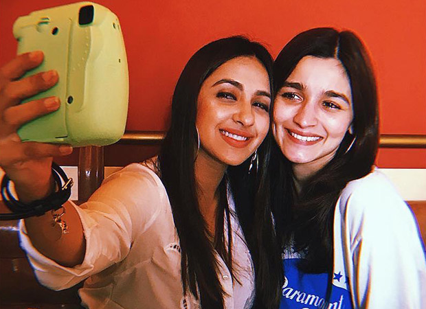 Alia Bhatt and Akansha Ranjan's Christmas celebration has a F.R.I.E.N.D.S connection!