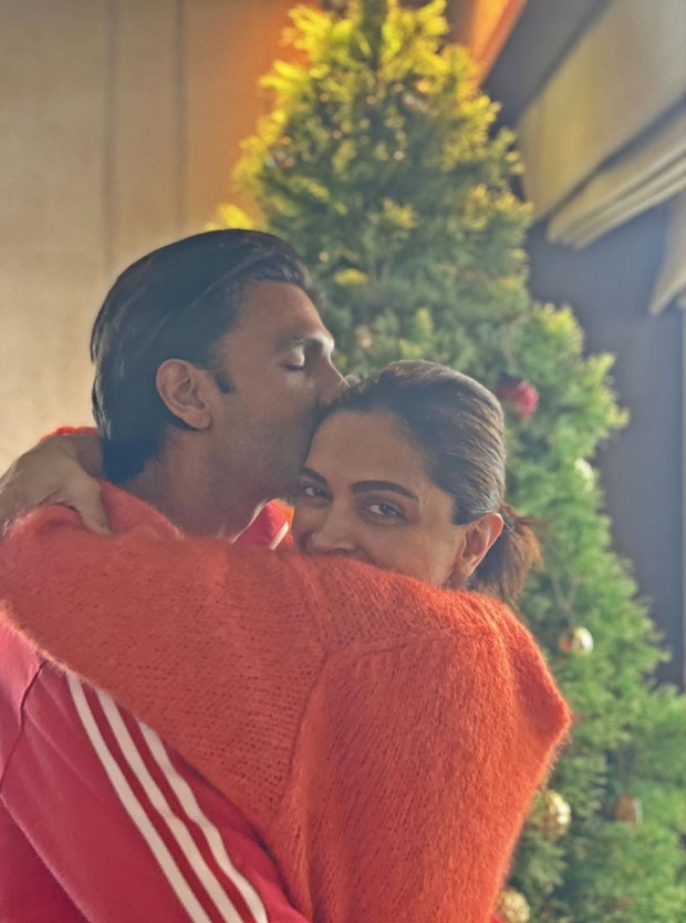 Christmas 2019: Ranveer Singh gives a sweet kiss to Deepika Padukone in these lovey-dovey photos