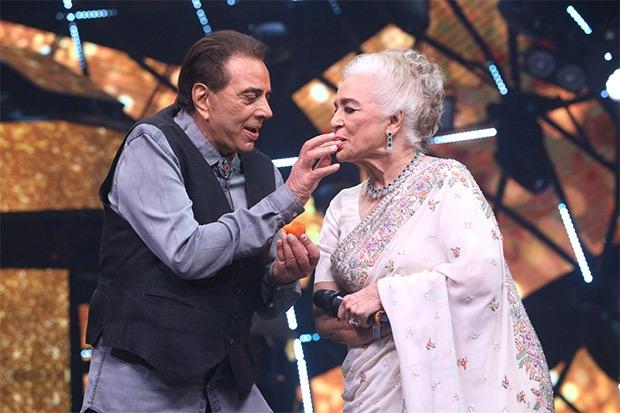 bollywood-ajab-jankari-why-dharmendra-ate-onions-before-shooting-with-asha-parekh