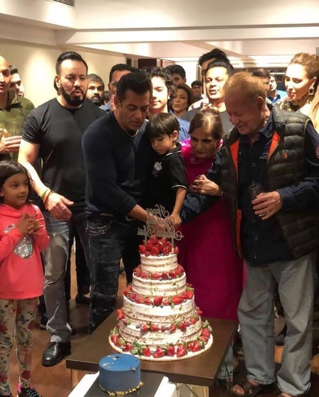 INSIDE PHOTOS & VIDEOS: Salman Khan rings in his 54th birthday with family; Katrina Kaif, Sonakshi Sinha attend the bash