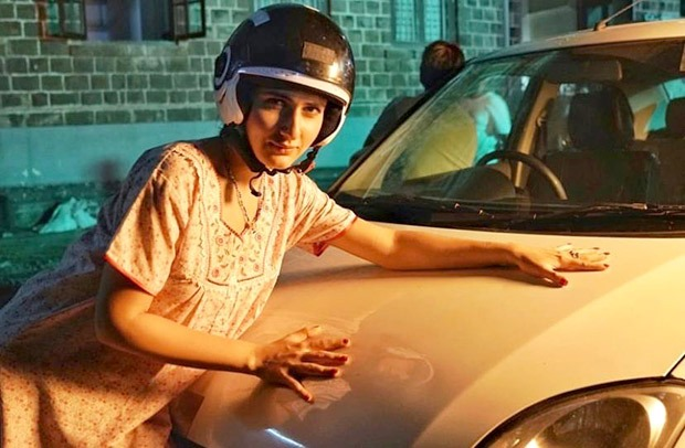 Fatima Sana Shaikh is trying to be sexy in these series of photos from the sets of Ludo