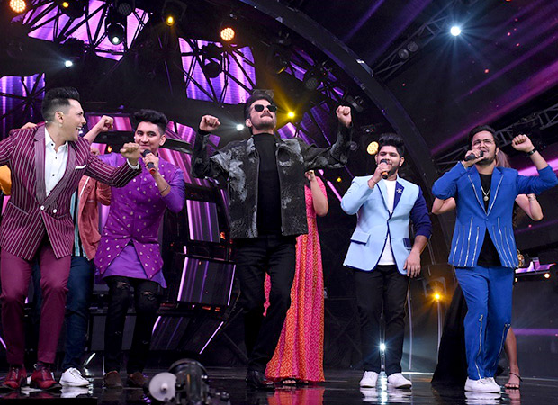 Anil Kapoor shakes a leg to THIS iconic track of his on Indian Idol 11