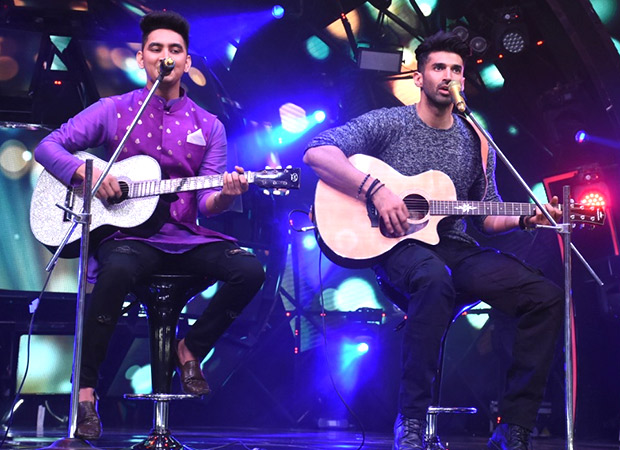 Aditya Roy Kapur gave impromptu performance with Rishabh Chaturvedi on Indian Idol Season 11